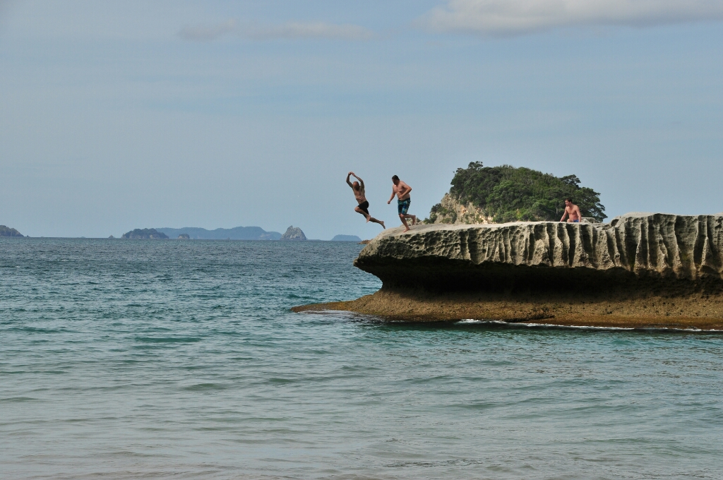 cathedral cove swimming